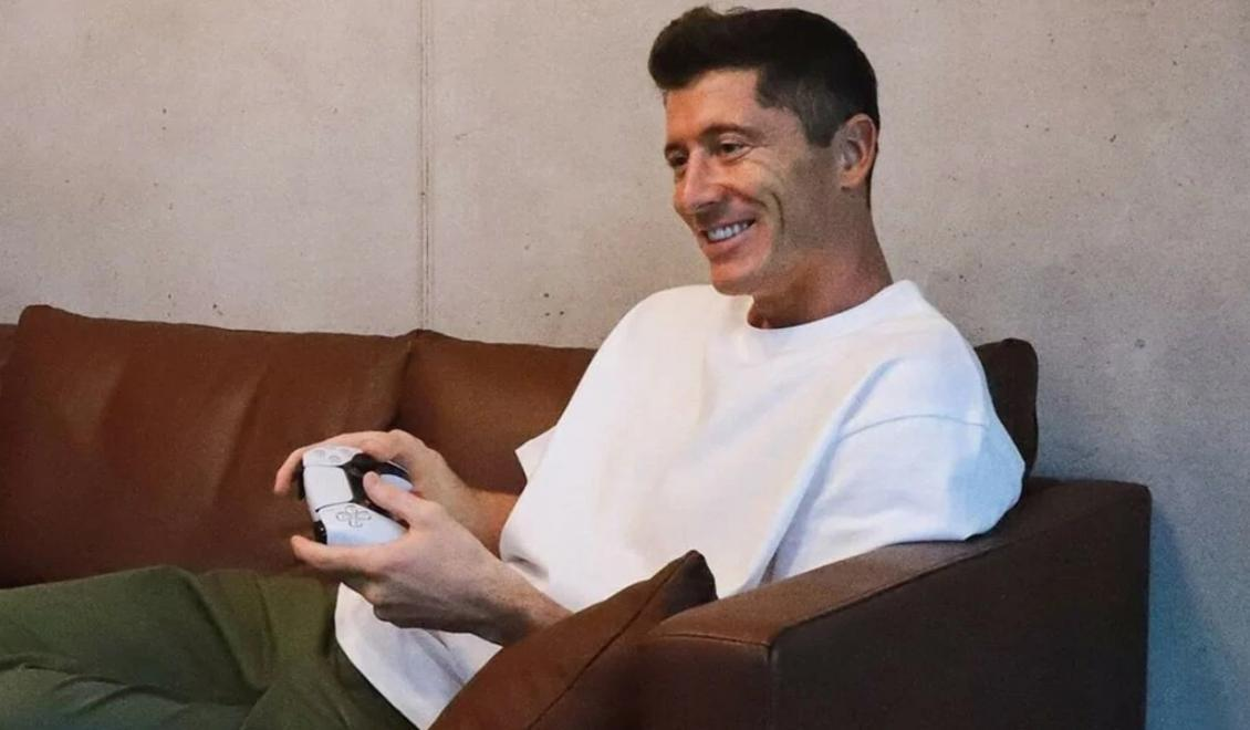 Robert Lewandowski dostal PlayStation 5